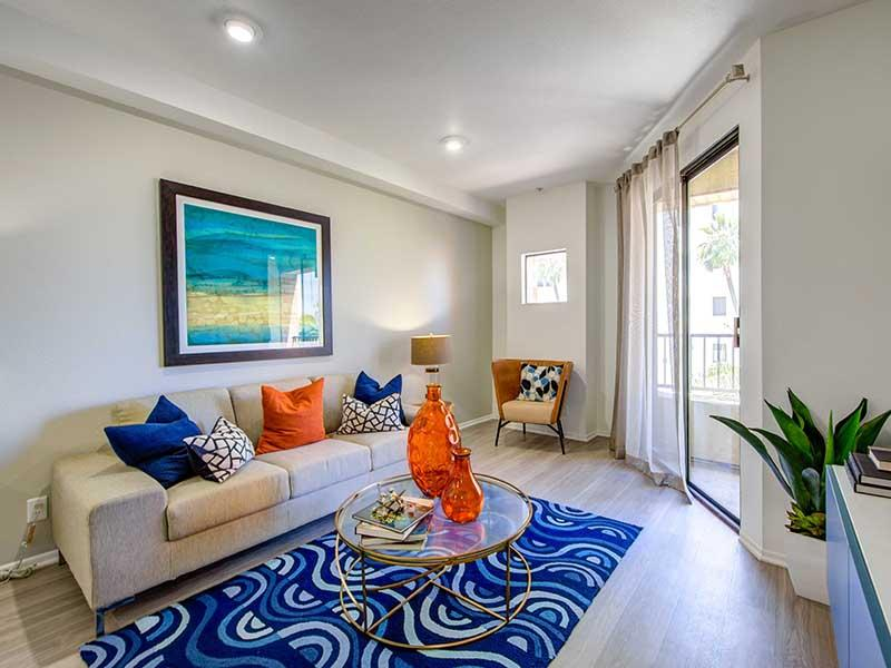Living Room    Elevate Long Beach