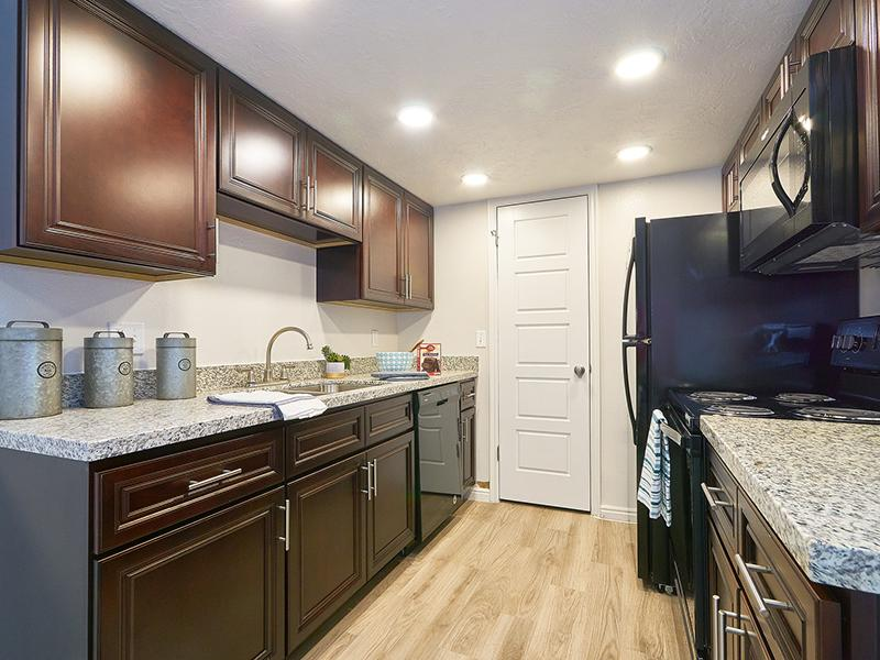 Kitchen | Willow Cove Apartments