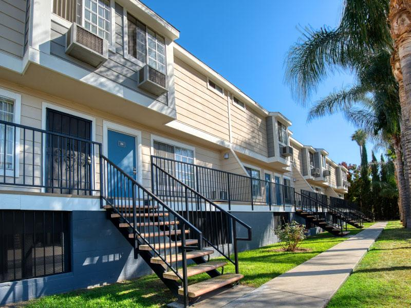 Van Nuys Apartments for Rent - Lake Balboa Townhomes Front of Main Building with Lush Landscaping