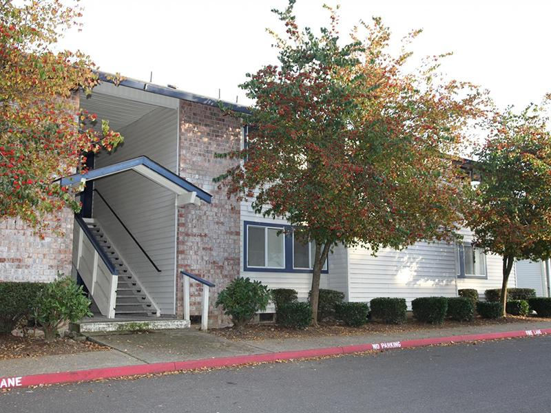 Exterior | Silverwood Apartments in Gresham, OR