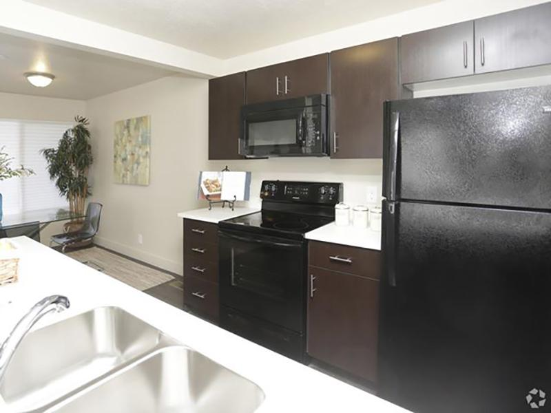 Kitchen | Harrison Pointe Apartments