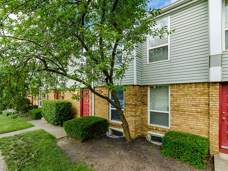 Apartment Exterior   Sharon Green Townhomes