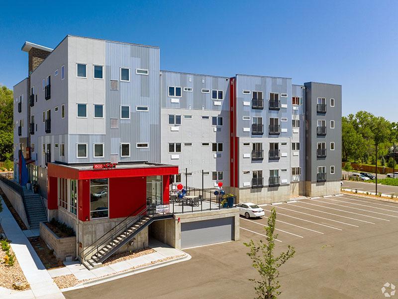 Building Exterior | 1600 Hoyt