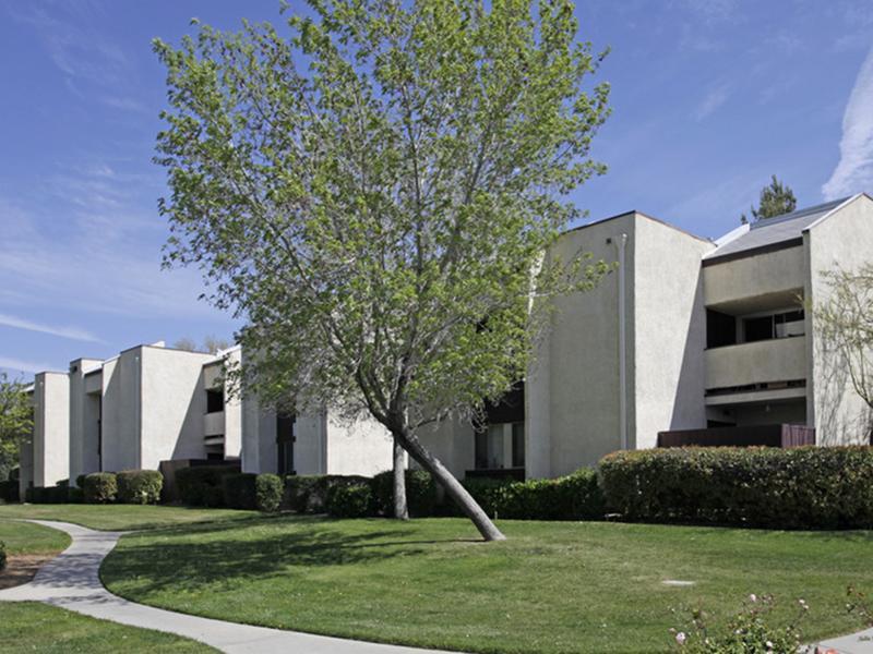 Exterior | Palmdale Desert Club