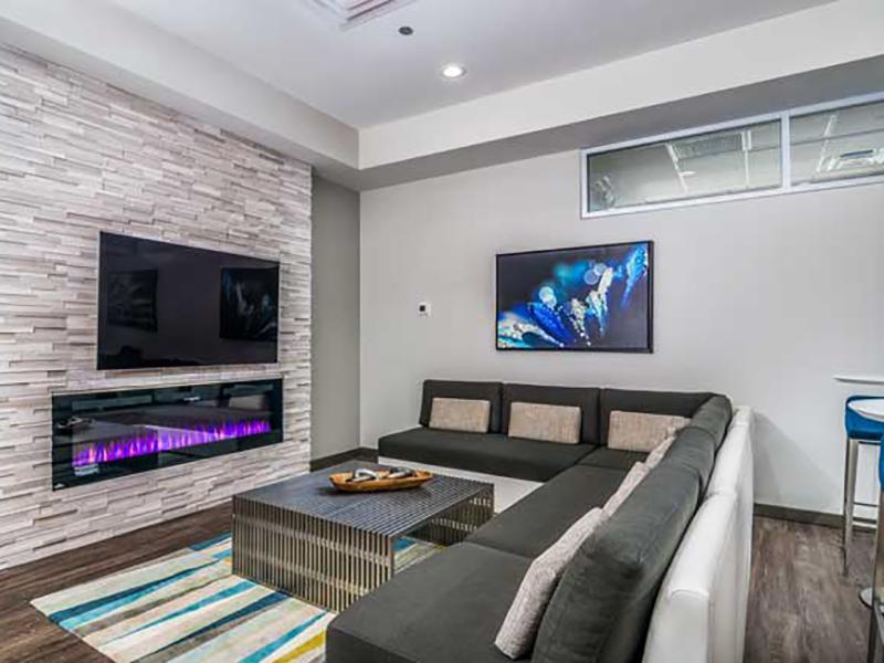 Lounge | One Nineteen on Main
