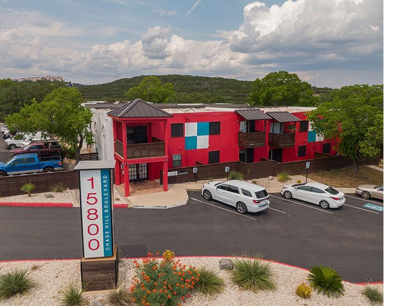 Sky Vue Apartments in San Antonio | Exterior Overview