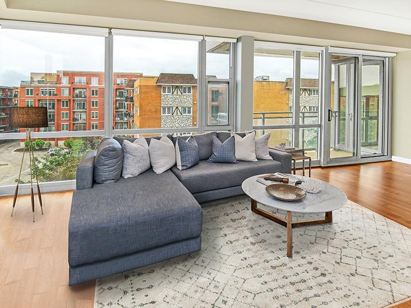 Model Living Room | Kingston Pointe Apartments