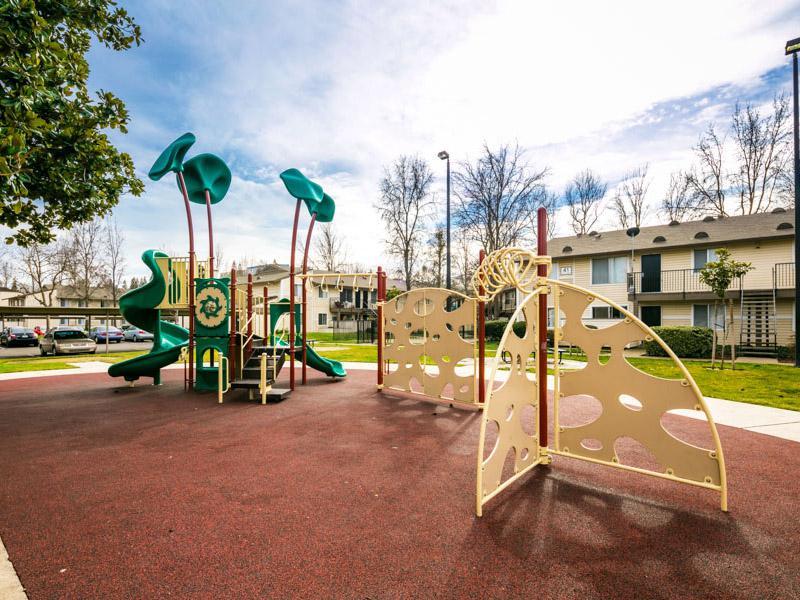 The Woodlands Apartments in Sacramento, CA 95833 | Market ...