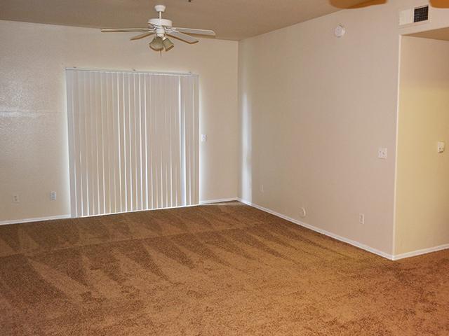 Room | Lindsay Palms Apartments