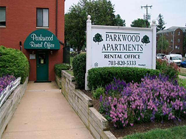 Parkwood Apartments in Falls Church, VA