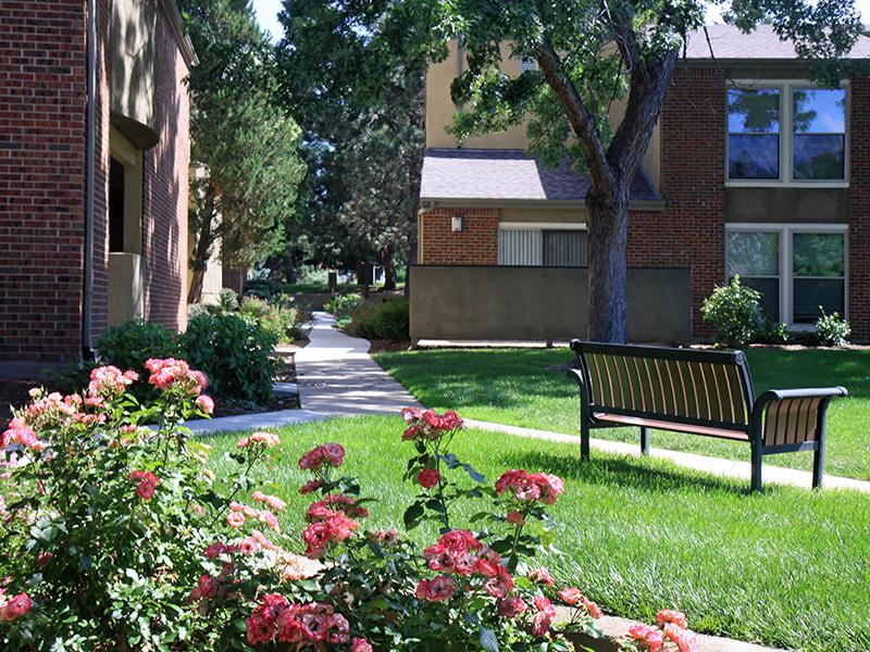 Beautiful Landscaping   25 Broadmoor Apts in Colorado Springs, CO