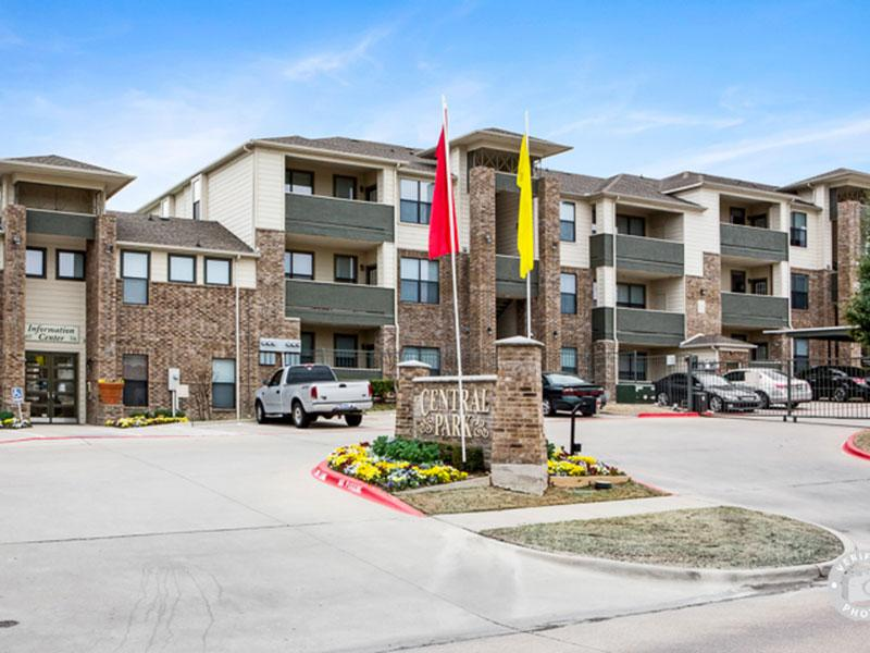 Central Park Apartments in Mesquite, TX