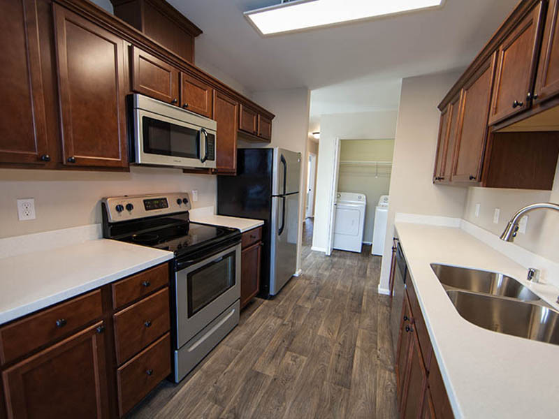 Kitchen | The Outlook Apartments in Graham, WA