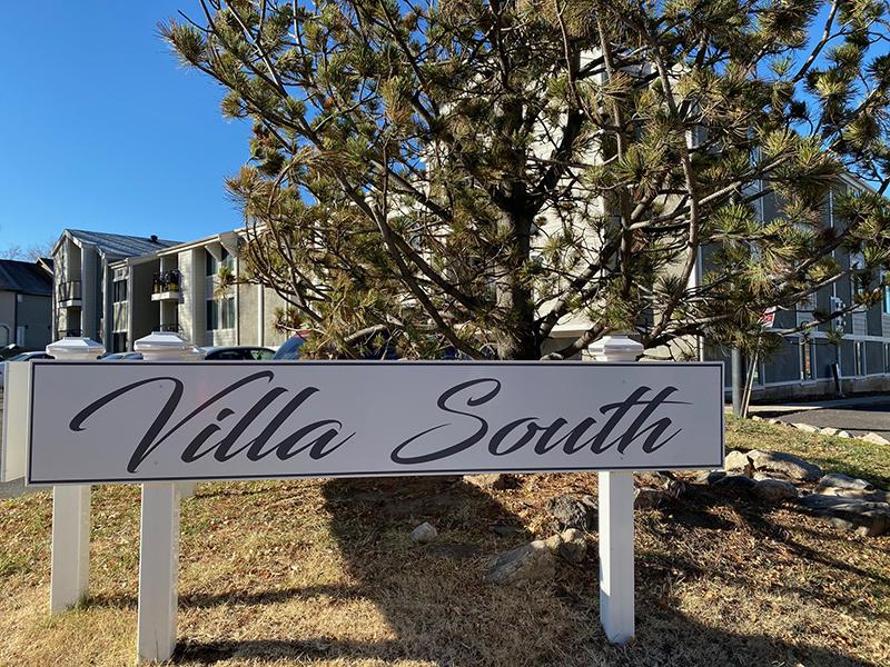 Welcome Sign | Villa South