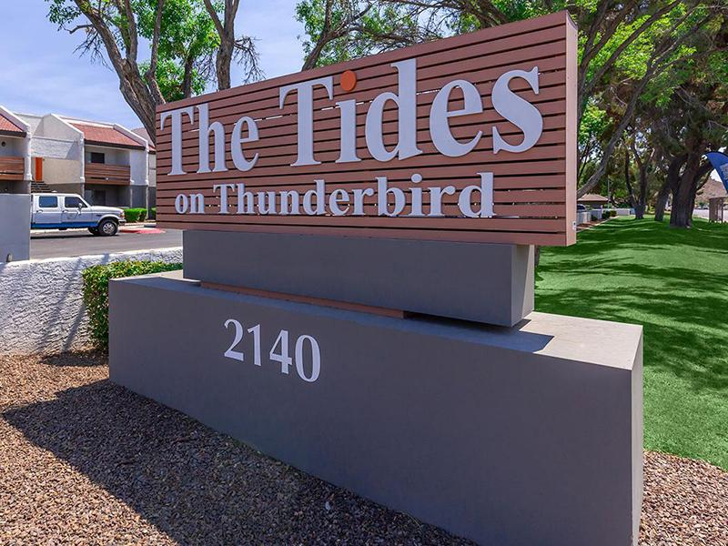 Welcome Sign | Tides on Thunderbird