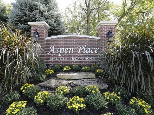 Aspen Place Apartments in Aurora, IL