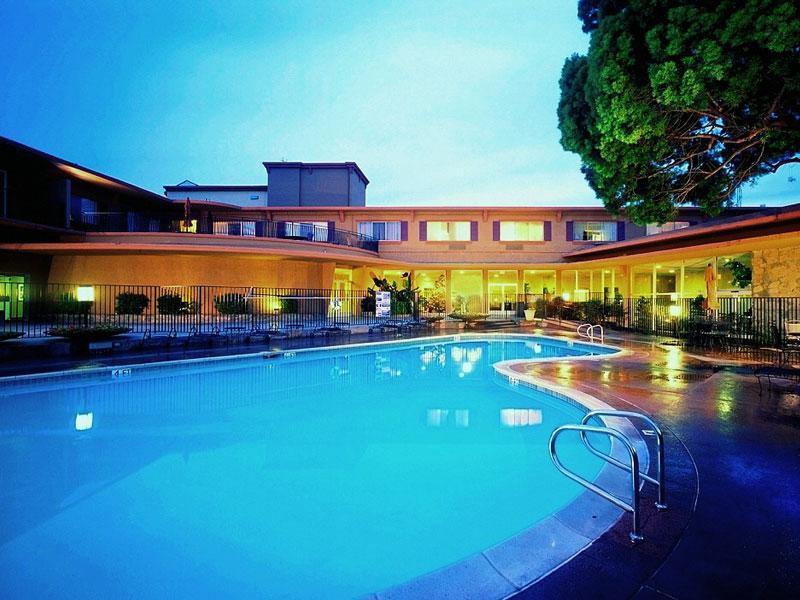 Swimming Pool | The Villa at San Mateo 55+ Apartments in San Mateo