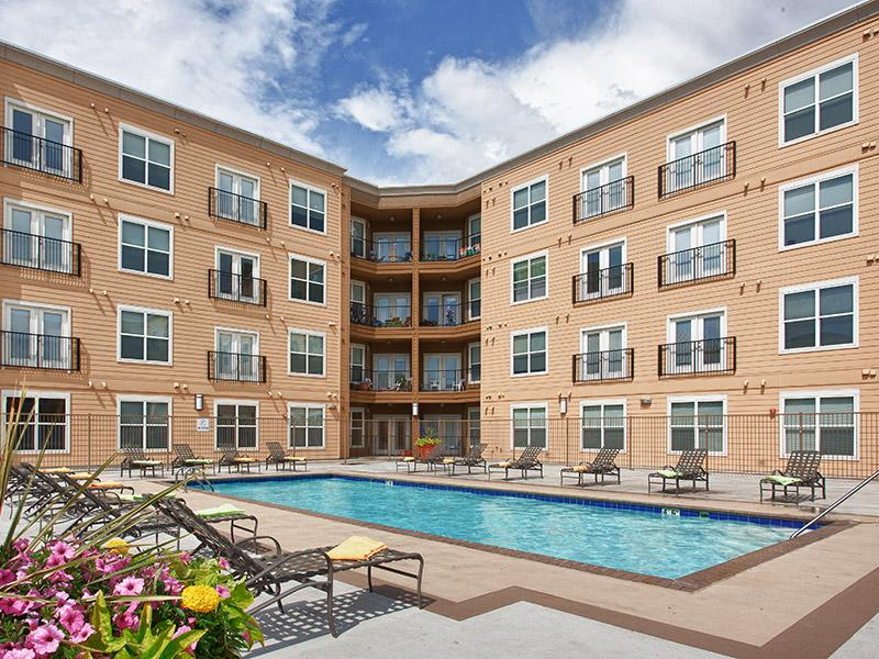 Resident Swimming Pool | Lincoln Place Apartments in Loveland, CO