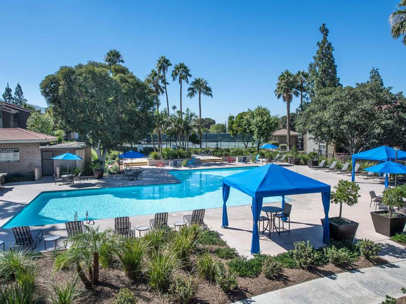 Apartments for rent in Corona CA | Parcwood Apartments Pool