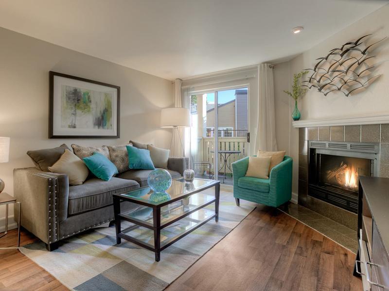 Living Room | Newport Crossing Apts in Newcastle, WA