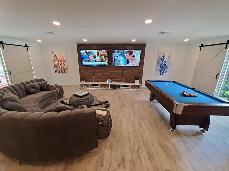 Social Room and Business Center | Woodway Apartments in San Antonio, TX
