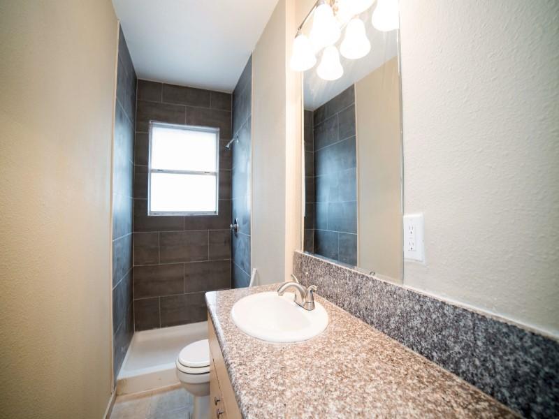 Morgan Manor | Bathroom