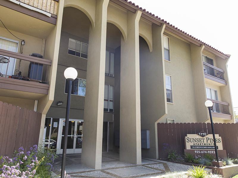 Building Exterior | Sunset Pines Apartments