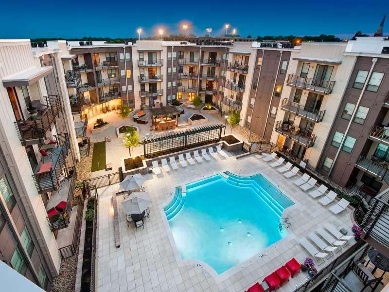 Exterior Overview | 400 Rhett Apartments