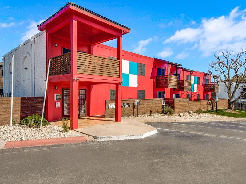 Sky Vue Apartments in San Antonio | Leasing Office