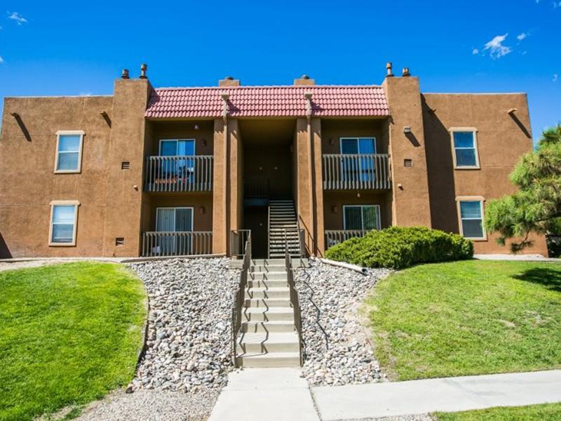 Main Building Exterior Overview   Sombra del Oso Apartments in Albuquerque NM