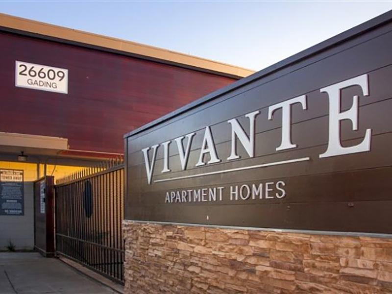 Welcome Sign | Vivante Apartments