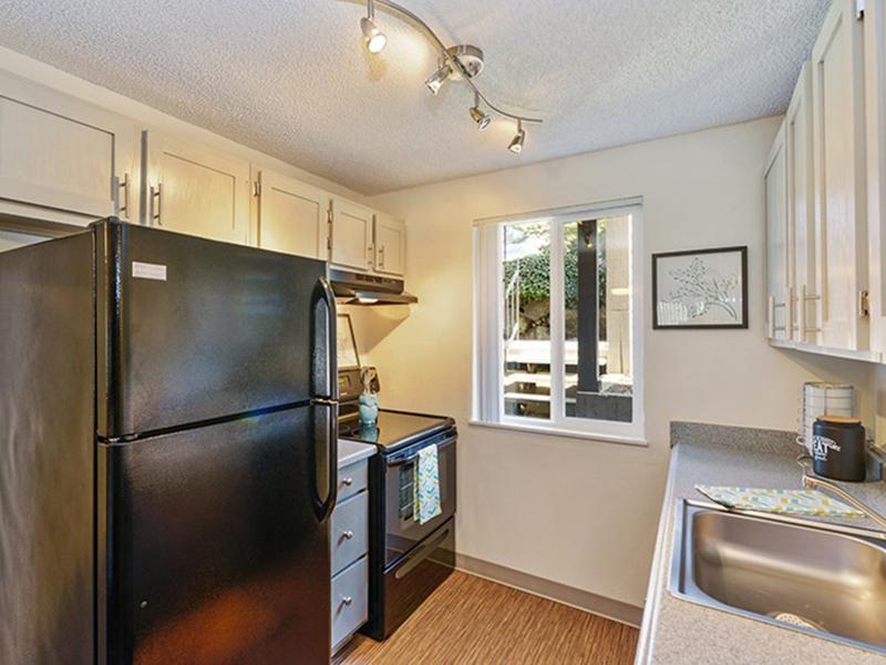 Kitchen | The Row Apartments
