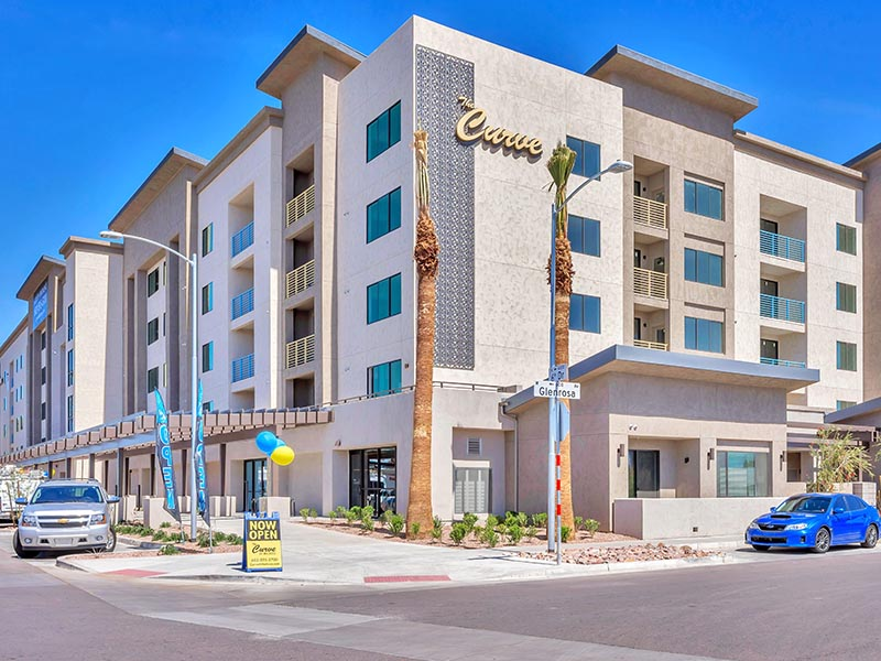 Building Exterior | The Curve at Melrose Apartments in Phoenix, AZ