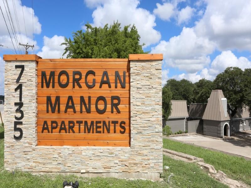 Morgan Manor Sign