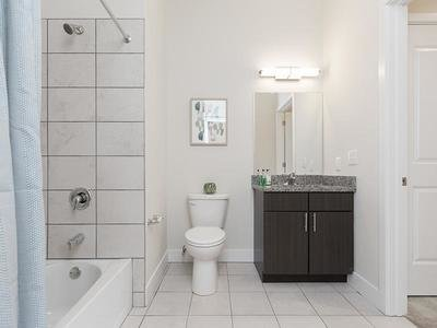 Bathroom | 2 Bathroom Apartments in Warminster, PA