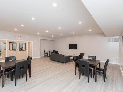 Community Lounge | 222 Park Place Apartments