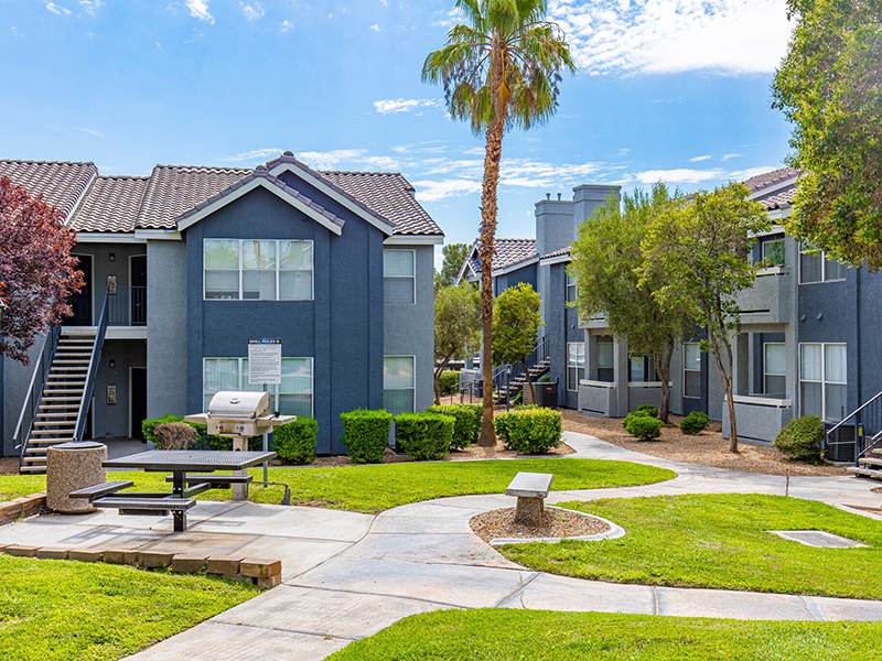 Exterior | Palms at Peccole Ranch Apartments in Las Vegas, NV