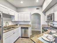 Kitchen | The Avondale Apartments