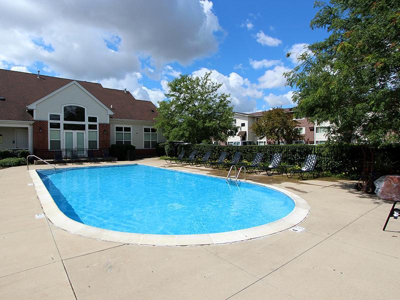 Riverstone Apartments in Naperville, IL
