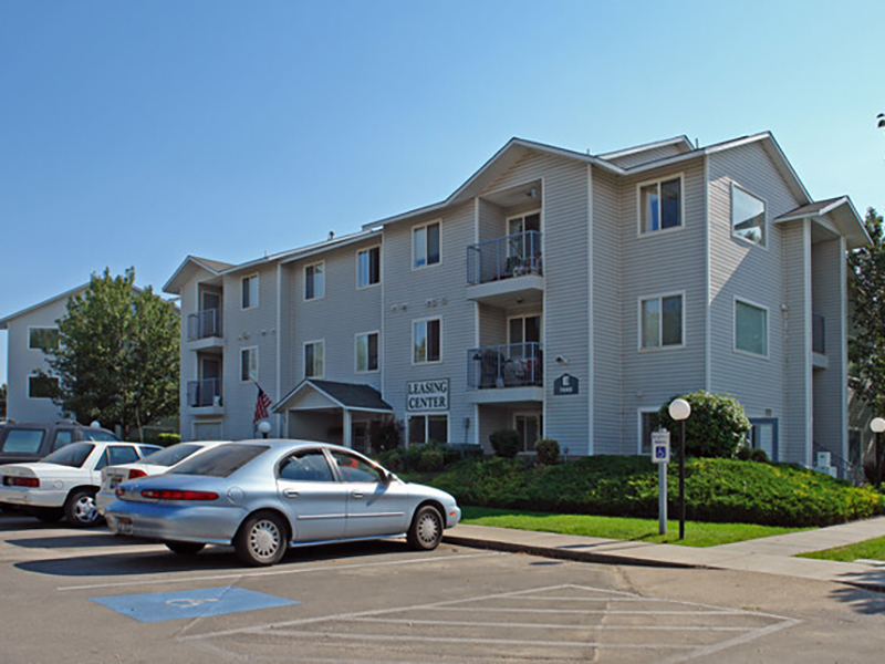 Cedar Square Apartments in Boise, ID