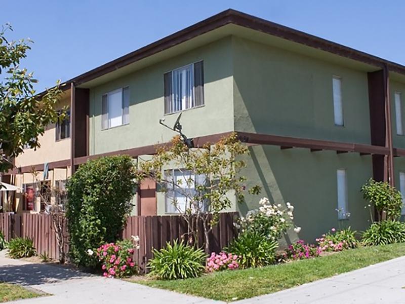 Beachwalk Apartments in Davis, CA