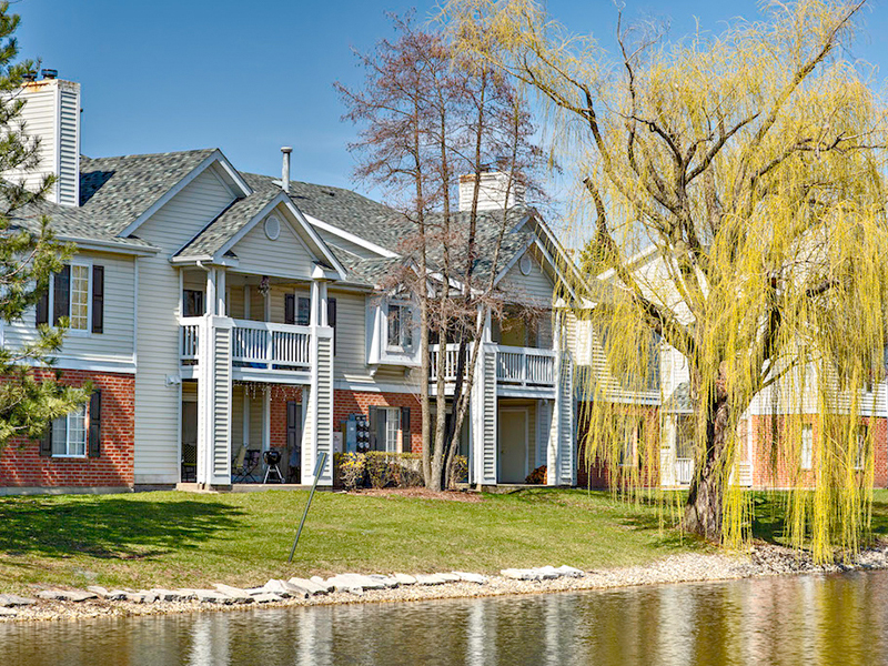 Arbors of Brookdale Apartments in Naperville, IL