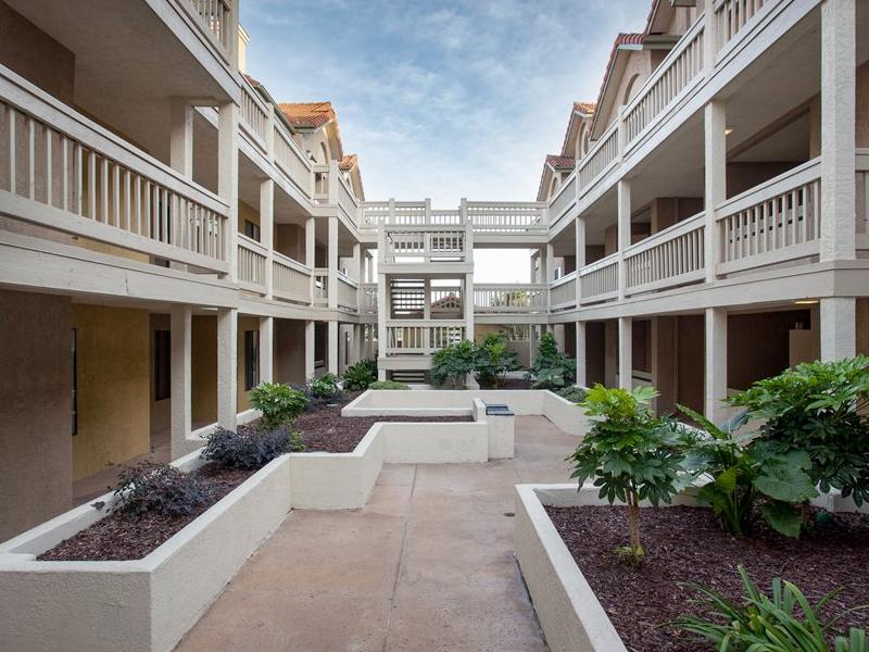 Mission Trails Apartments in Davis, CA