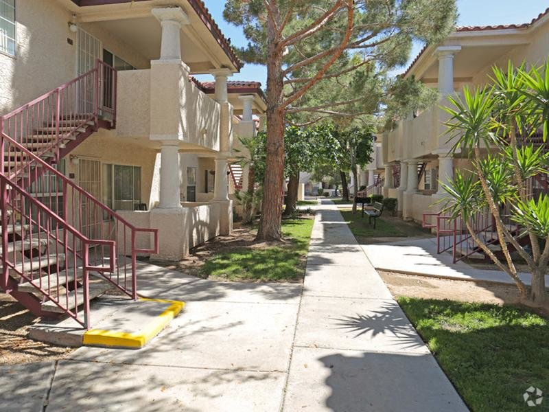 Somerset Commons Apartments in Las Vegas, NV