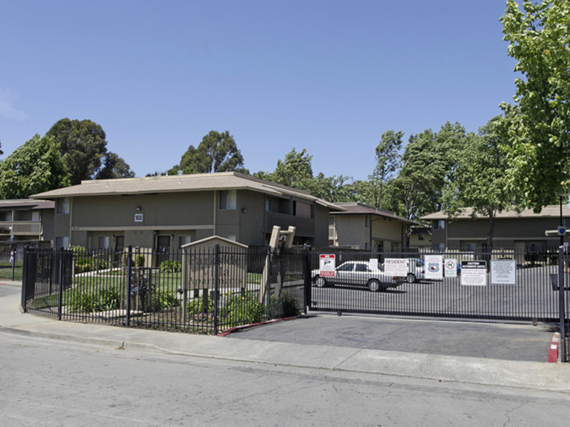 Parkside Villa Apartments in Fairfield, CA