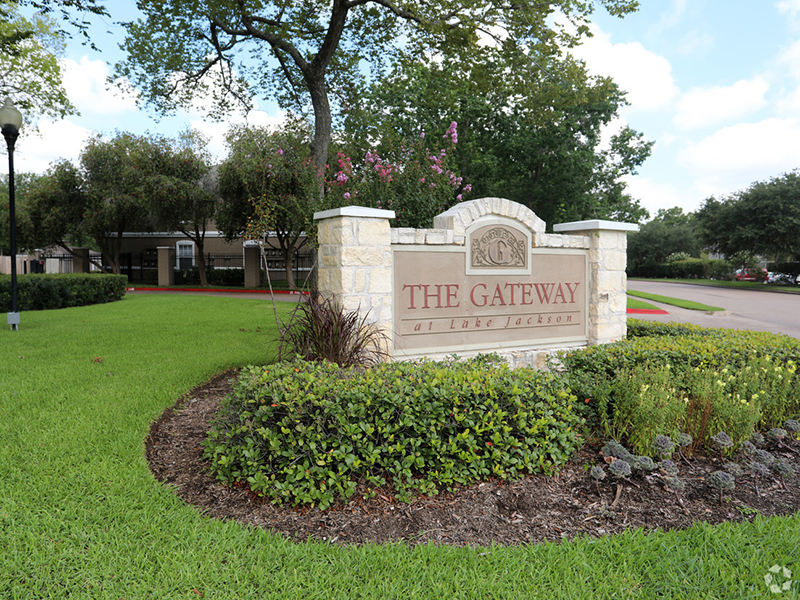 The Gateway at Lake Jackson Apartments in Lake Jackson, TX