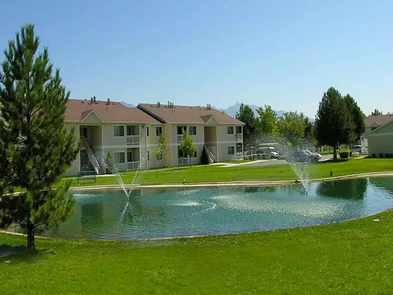 Lakeside Village Apartments in Salt Lake City, UT