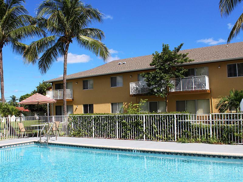Praxis of Deerfield Beach Apartments in Jacksonville, FL