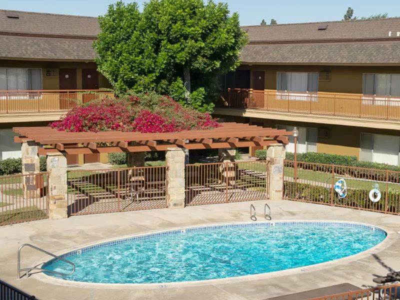 Chatham Village Apartments in Tustin, CA