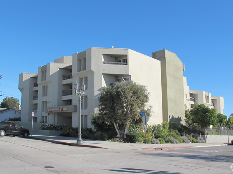 Stevenson Manor Apartments in Los Angeles, CA